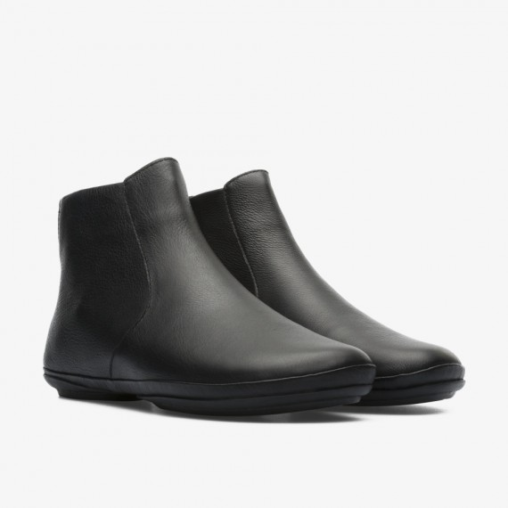 Right Black Ankle Boot for Women